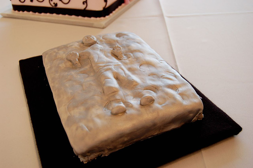 Han in carbonite groom's cake. Photo by mandaloo @ Flickr