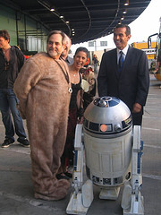 Steve Sansweet at Celebration IV with Mayor Villaraigosa / Photo by Kristen DelValle /  starwarsblog @ Flickr