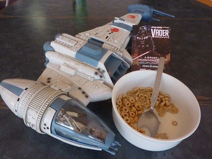 Unboxing Star Wars - B-wing Cheerios